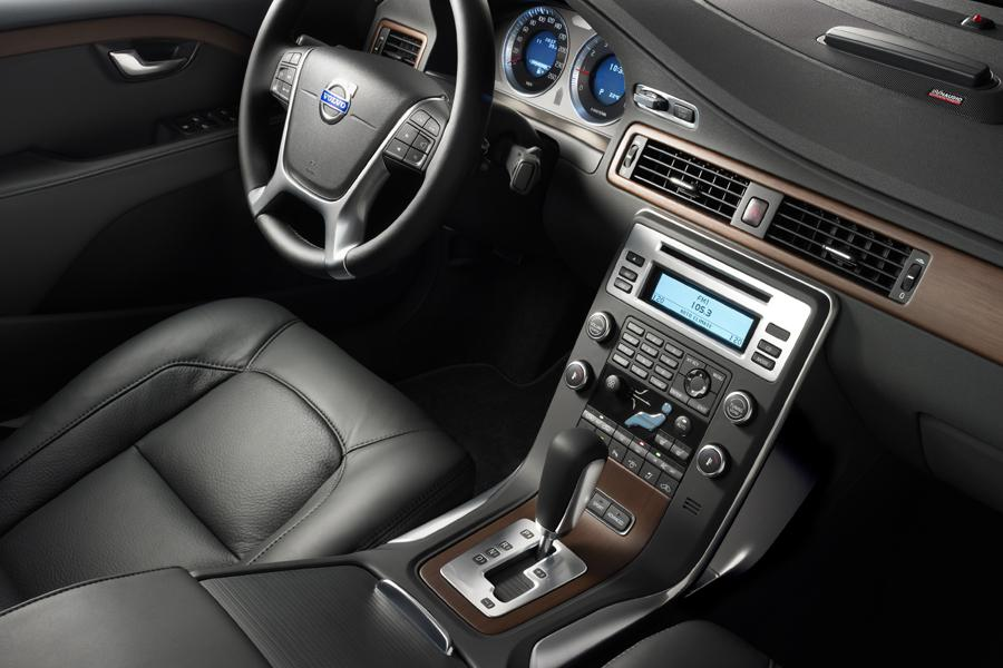 2010 Volvo S80 Reviews, Specs and Prices | Cars.com
