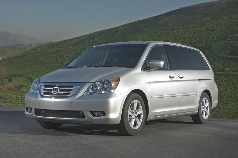 2010 Honda Odyssey Reviews Specs And Prices Cars Com