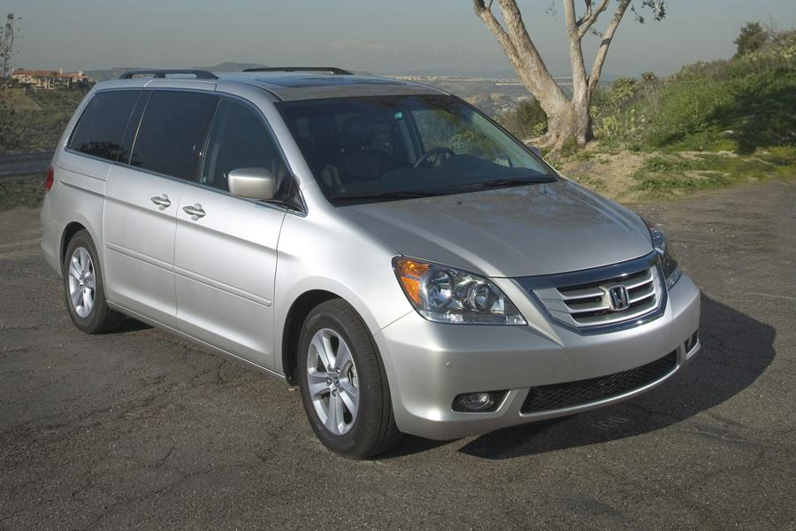 2010 Honda Odyssey Reviews Specs And Prices Cars Com