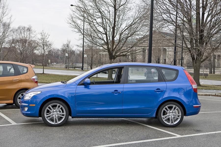 2010 Hyundai Elantra Touring Reviews Specs And Prices Cars Com