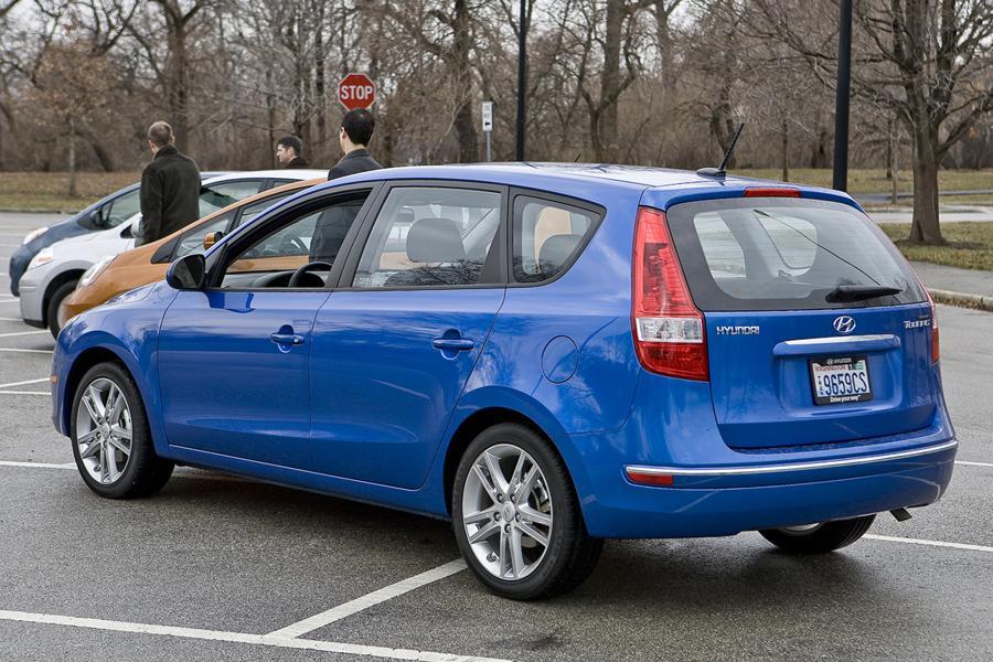 2010 Hyundai Elantra Touring Reviews Specs And Prices