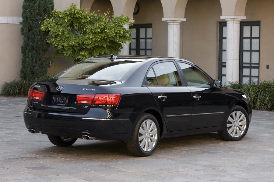 2010 Hyundai Sonata Specs Pictures Trims Colors Cars Com