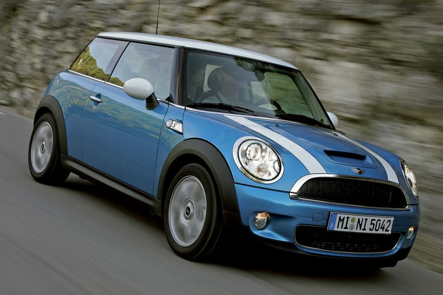 2010 mini cooper s reviews specs and prices. Black Bedroom Furniture Sets. Home Design Ideas