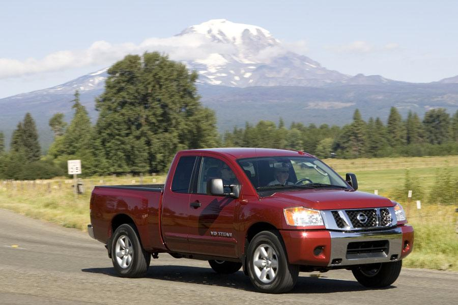 2010 nissan titan reviews specs and prices. Black Bedroom Furniture Sets. Home Design Ideas