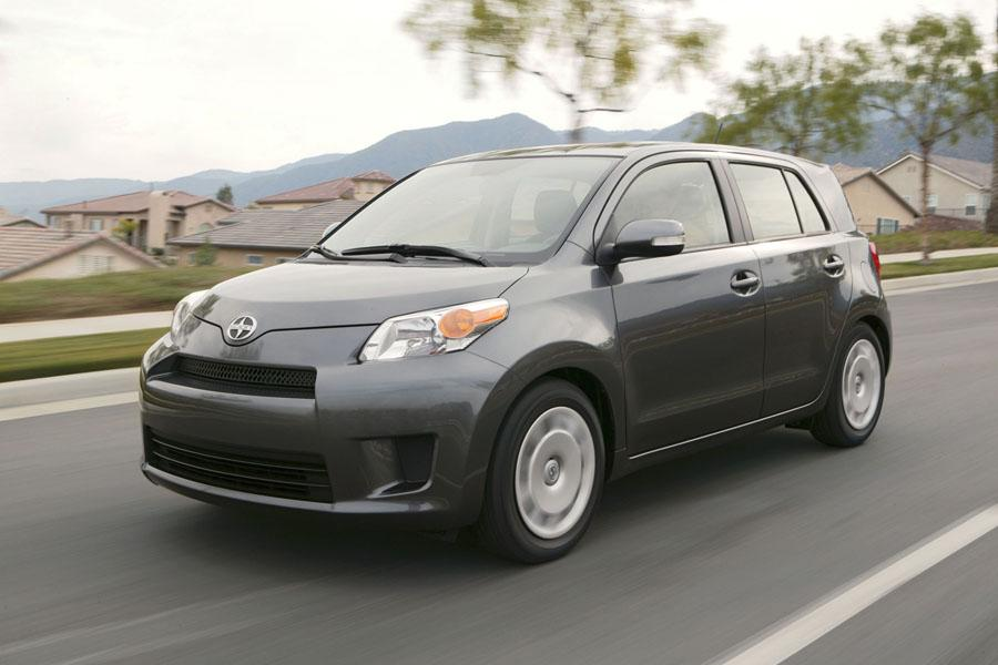 2010 Scion Xd Reviews Specs And Prices Cars Com