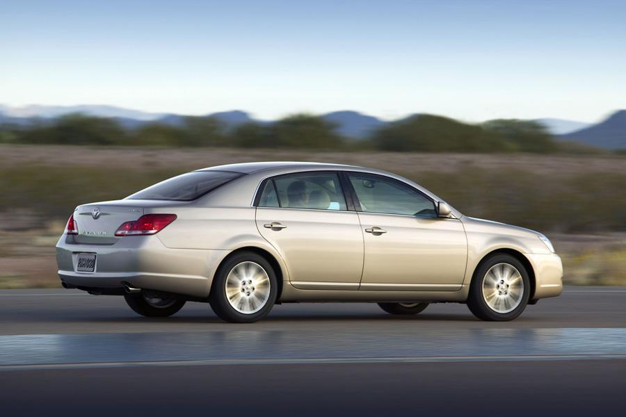 2010 Toyota Avalon Reviews, Specs and Prices | Cars.com