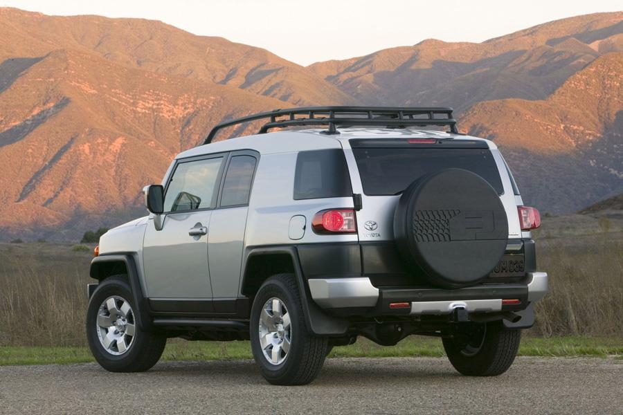 2010 toyota fj cruiser reviews specs and prices. Black Bedroom Furniture Sets. Home Design Ideas