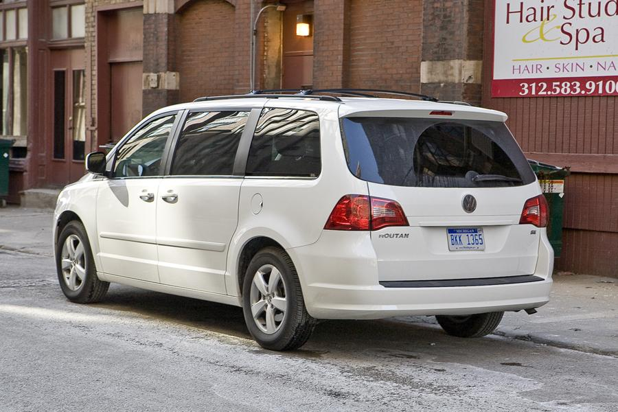 2010 Volkswagen Routan Reviews Specs And Prices Cars Com