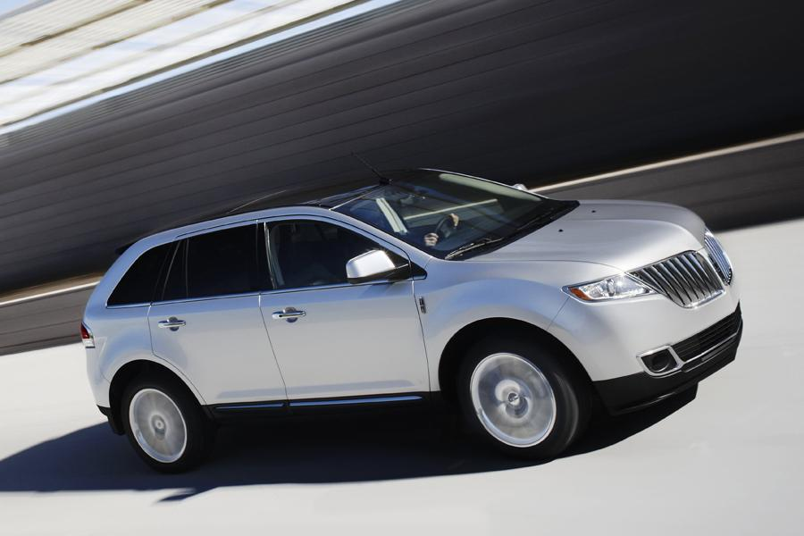 2011 lincoln mkx reviews specs and prices. Black Bedroom Furniture Sets. Home Design Ideas