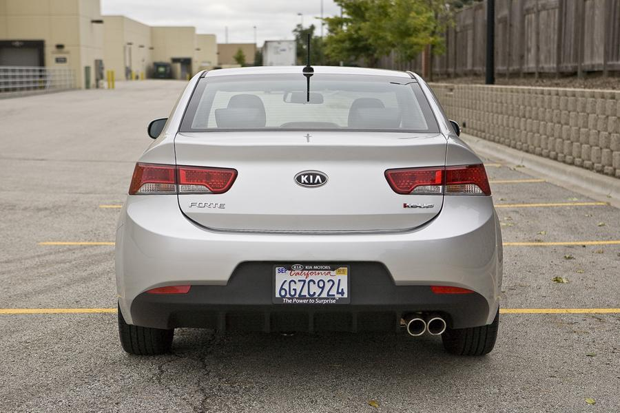 2011 kia forte koup reviews specs and prices. Black Bedroom Furniture Sets. Home Design Ideas