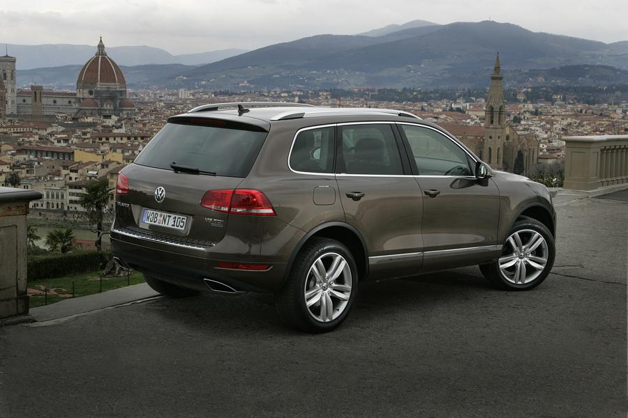 volkswagen touareg reviews specs  prices carscom