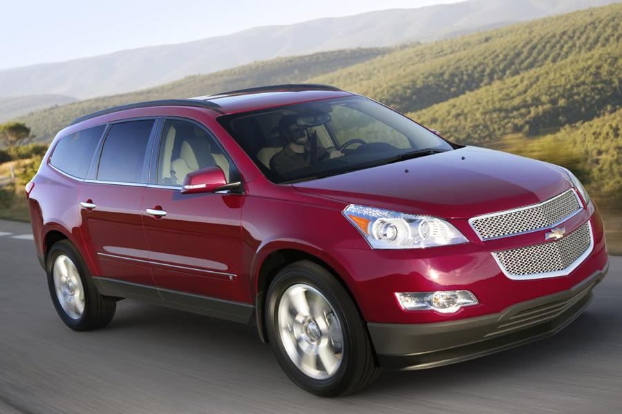 2011 chevrolet traverse reviews specs and prices. Black Bedroom Furniture Sets. Home Design Ideas
