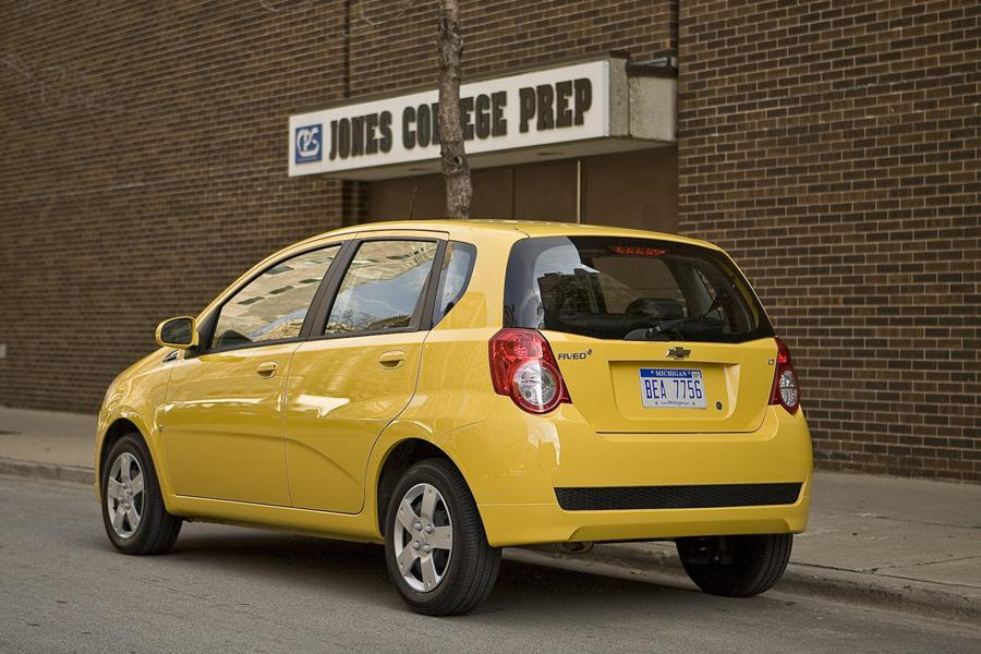 2011 chevrolet aveo reviews specs and prices. Black Bedroom Furniture Sets. Home Design Ideas