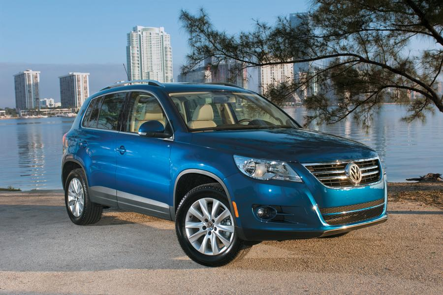 2011 volkswagen tiguan reviews specs and prices. Black Bedroom Furniture Sets. Home Design Ideas