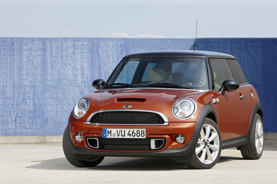 2011 mini cooper s reviews specs and prices. Black Bedroom Furniture Sets. Home Design Ideas