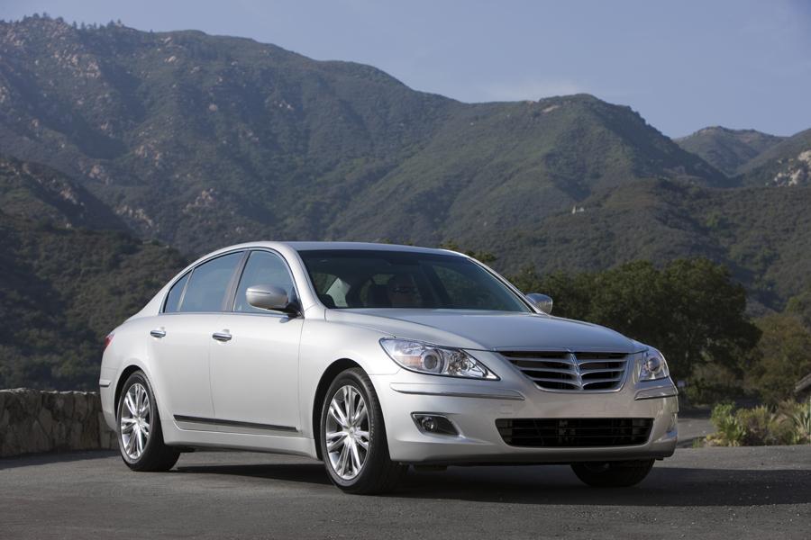 2011 Hyundai Genesis Reviews Specs And Prices Cars Com