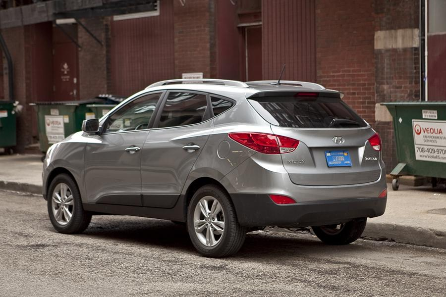 2011 hyundai tucson reviews specs and prices. Black Bedroom Furniture Sets. Home Design Ideas