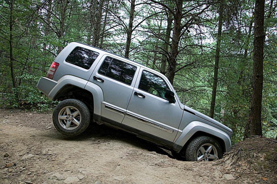 2011 jeep liberty reviews specs and prices. Black Bedroom Furniture Sets. Home Design Ideas
