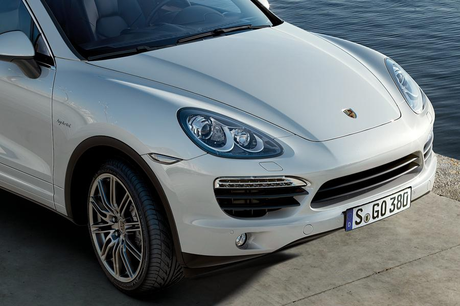 2011 porsche cayenne hybrid reviews specs and prices. Black Bedroom Furniture Sets. Home Design Ideas