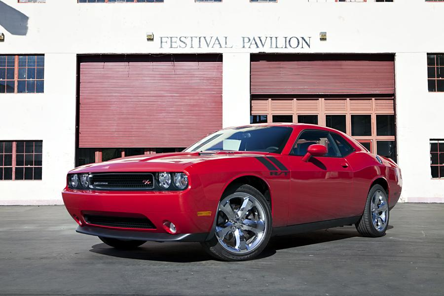 2011 dodge challenger reviews specs and prices. Black Bedroom Furniture Sets. Home Design Ideas