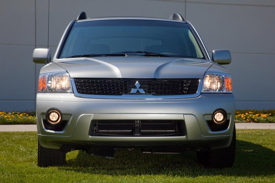 2011 mitsubishi endeavor reviews specs and prices. Black Bedroom Furniture Sets. Home Design Ideas