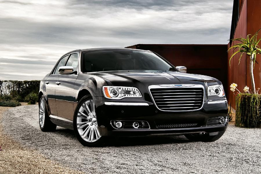 2011 chrysler 300 reviews specs and prices. Black Bedroom Furniture Sets. Home Design Ideas