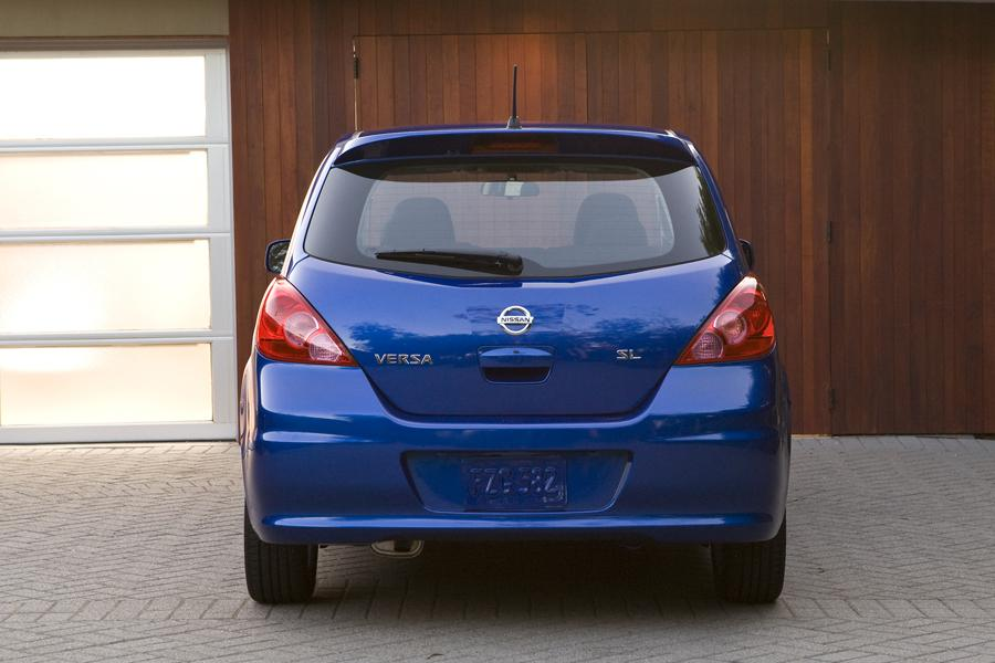 2011 nissan versa reviews specs and prices. Black Bedroom Furniture Sets. Home Design Ideas