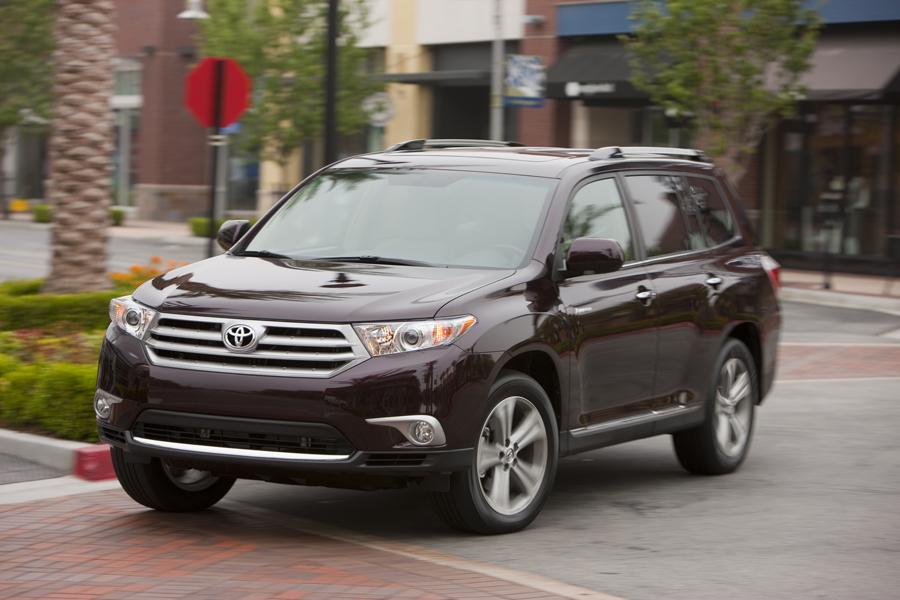 2011 toyota highlander reviews specs and prices. Black Bedroom Furniture Sets. Home Design Ideas