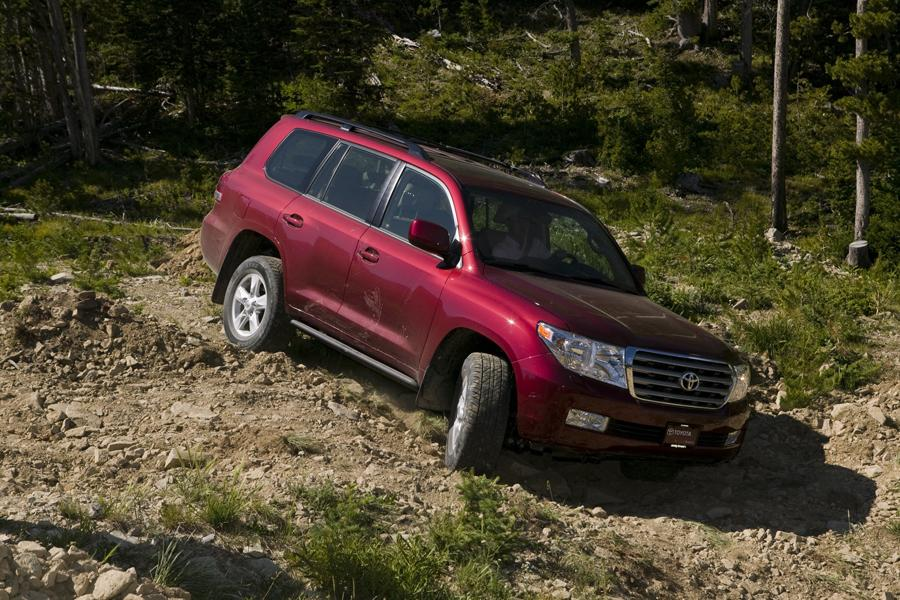 2011 toyota land cruiser reviews specs and prices. Black Bedroom Furniture Sets. Home Design Ideas