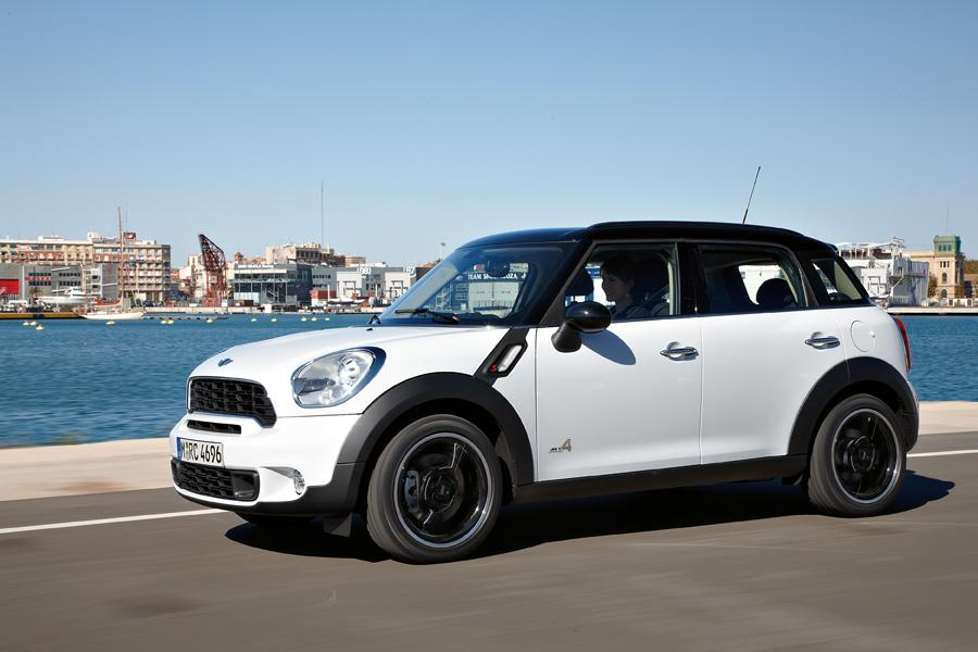 2011 mini cooper s countryman reviews specs and prices. Black Bedroom Furniture Sets. Home Design Ideas