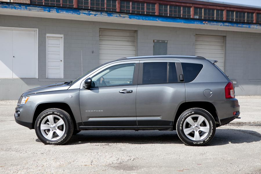 2012 jeep compass reviews specs and prices. Black Bedroom Furniture Sets. Home Design Ideas