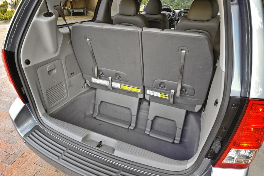 2012 Kia Sedona Reviews Specs And Prices Cars Com