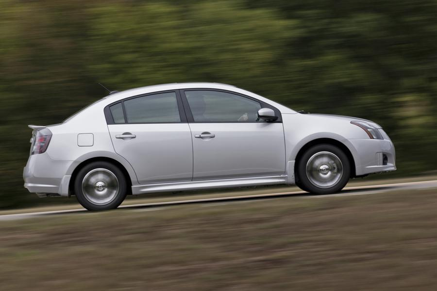 2012 nissan sentra reviews specs and prices. Black Bedroom Furniture Sets. Home Design Ideas