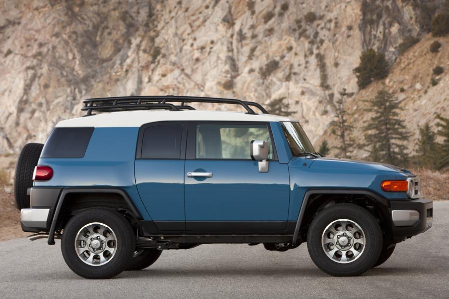 2012 toyota fj cruiser reviews specs and prices. Black Bedroom Furniture Sets. Home Design Ideas