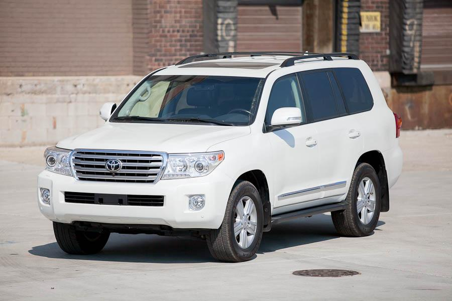 2013 toyota land cruiser reviews specs and prices. Black Bedroom Furniture Sets. Home Design Ideas