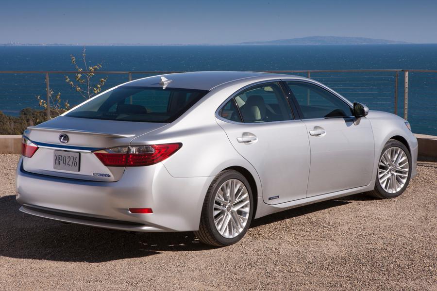 2013 Lexus ES 300h Reviews, Specs and Prices | Cars.com