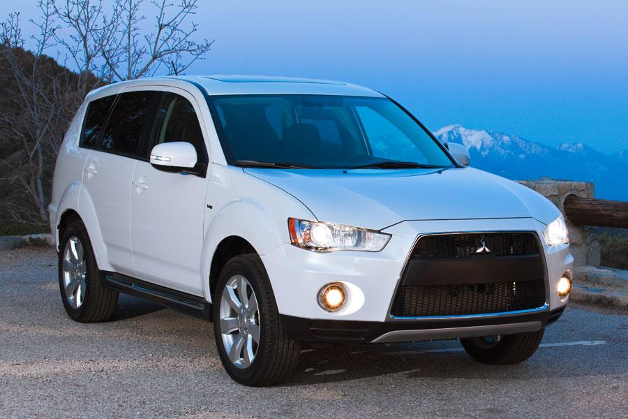 2012 mitsubishi outlander reviews specs and prices. Black Bedroom Furniture Sets. Home Design Ideas