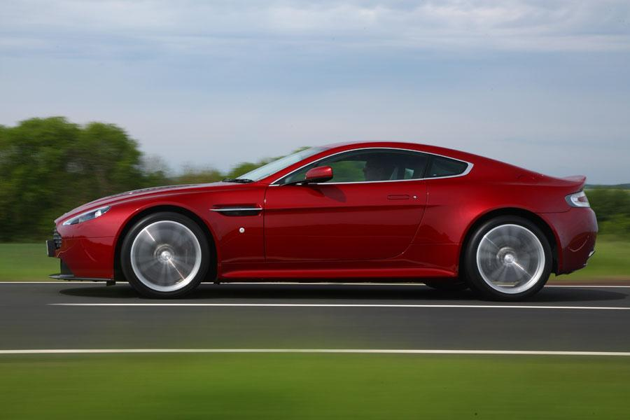 2012 aston martin v12 vantage reviews specs and prices. Black Bedroom Furniture Sets. Home Design Ideas