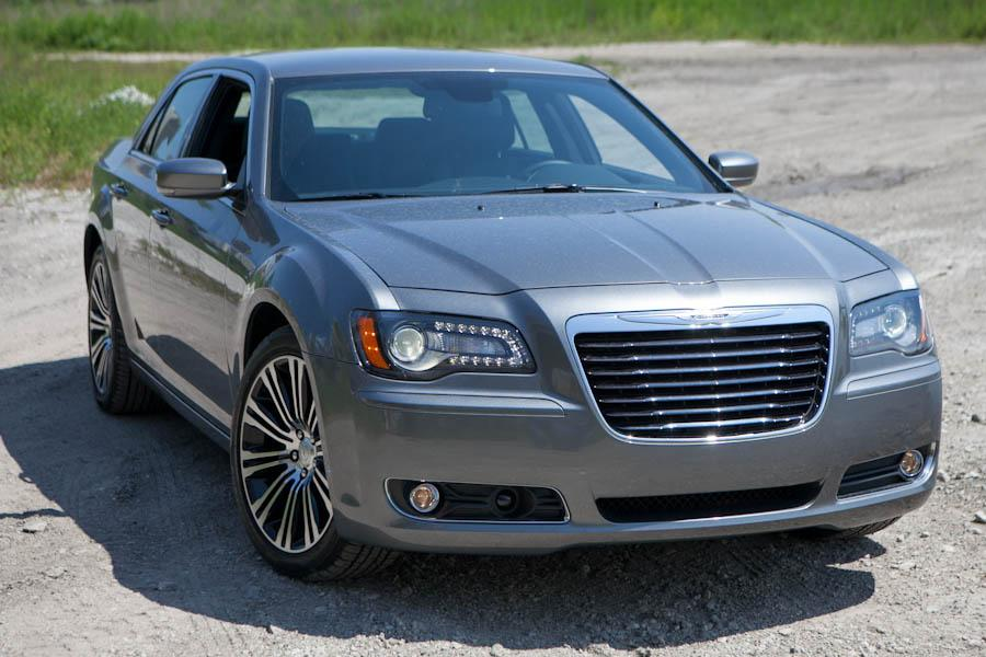 2012 chrysler 300 reviews specs and prices. Black Bedroom Furniture Sets. Home Design Ideas
