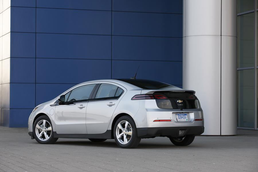 2012 chevrolet volt reviews specs and prices. Black Bedroom Furniture Sets. Home Design Ideas