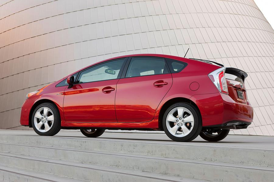 2012 toyota prius reviews specs and prices. Black Bedroom Furniture Sets. Home Design Ideas