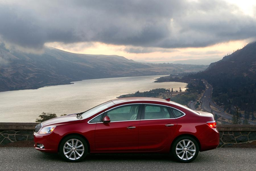 2013 buick verano reviews specs and prices. Black Bedroom Furniture Sets. Home Design Ideas