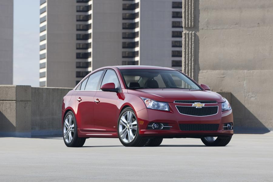 2013 Chevrolet Cruze Reviews Specs And Prices Cars Com