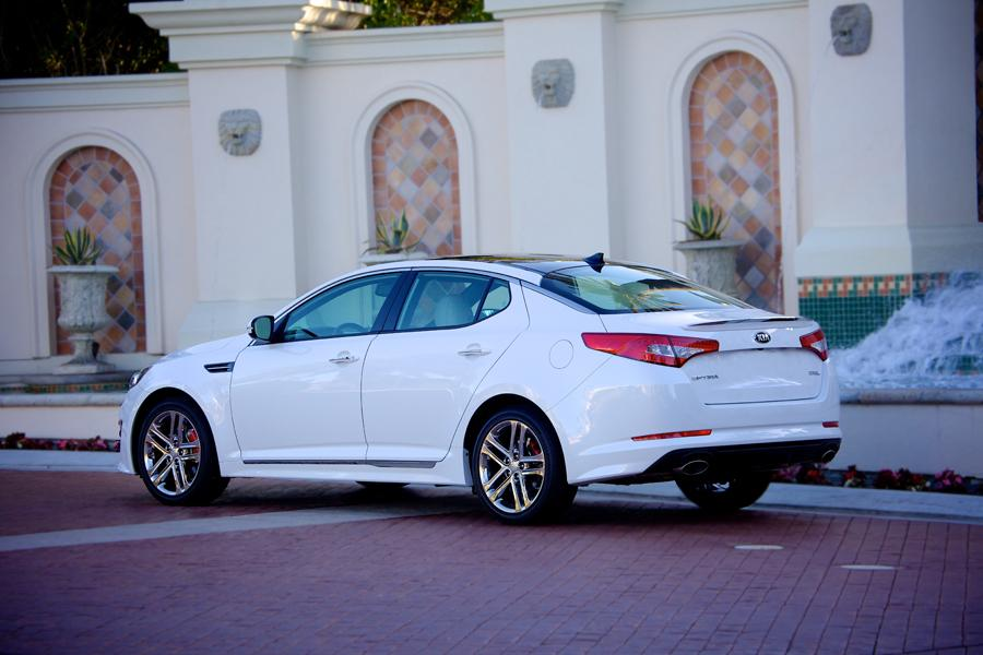 2013 kia optima reviews specs and prices. Black Bedroom Furniture Sets. Home Design Ideas