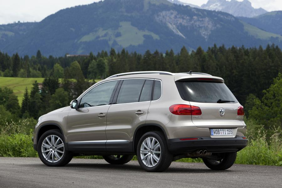 2013 Volkswagen Tiguan Reviews Specs And Prices Cars Com