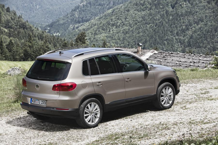 2013 volkswagen tiguan reviews specs and prices. Black Bedroom Furniture Sets. Home Design Ideas