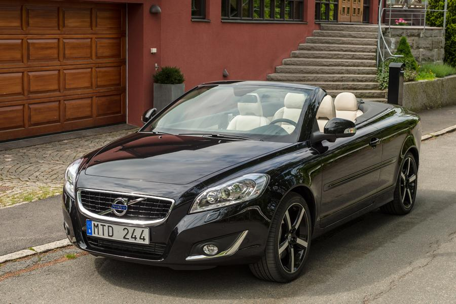 Volvo C70 Convertible Models, Price, Specs, Reviews | Cars.com