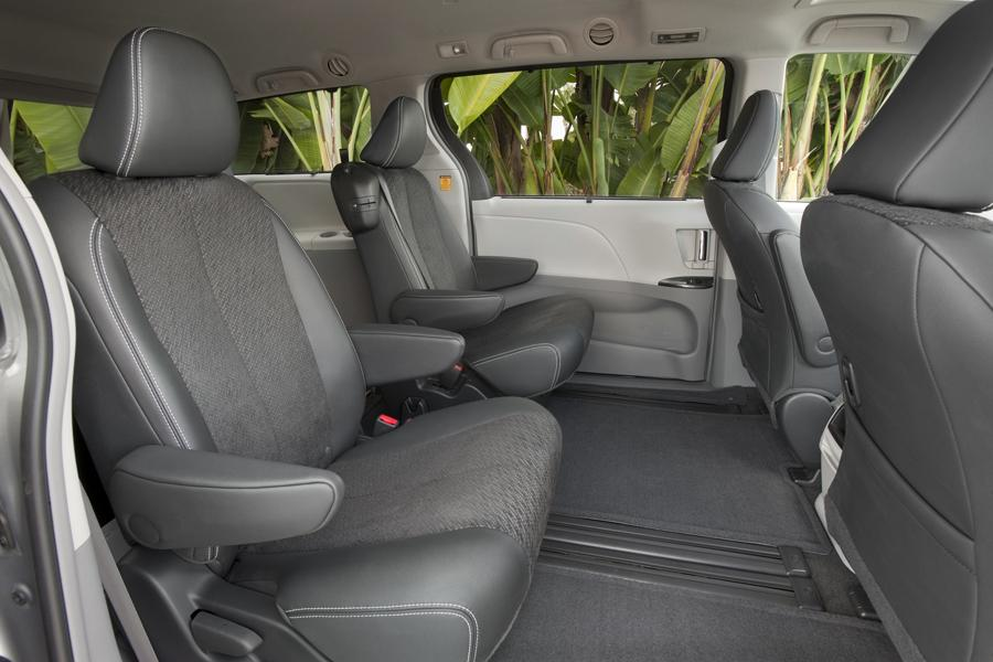2013 Toyota Sienna Reviews Specs And Prices Cars Com