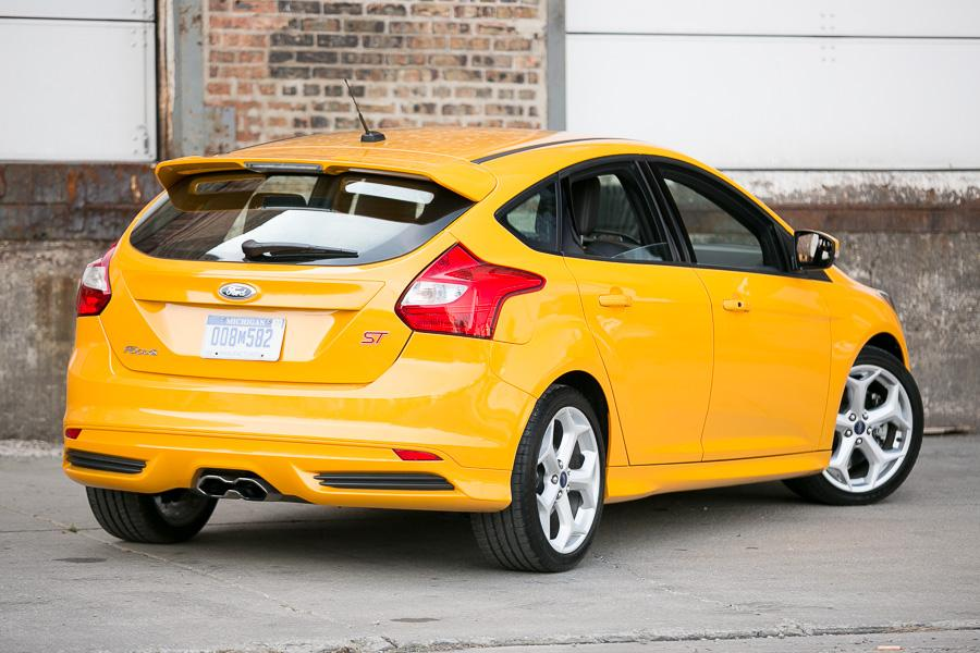2013 ford focus st reviews specs and prices. Black Bedroom Furniture Sets. Home Design Ideas