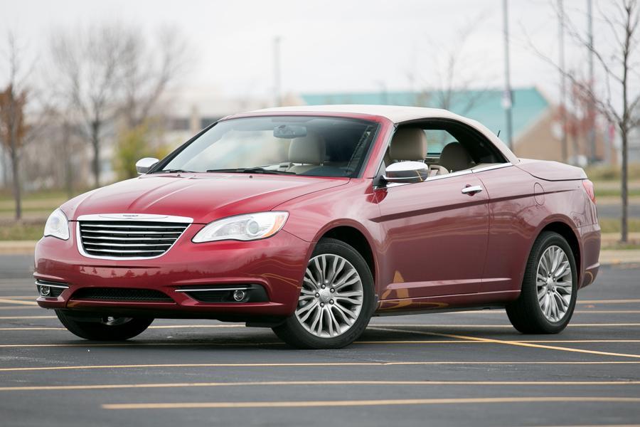2013 Chrysler 200 Specs Pictures Trims Colors  Carscom